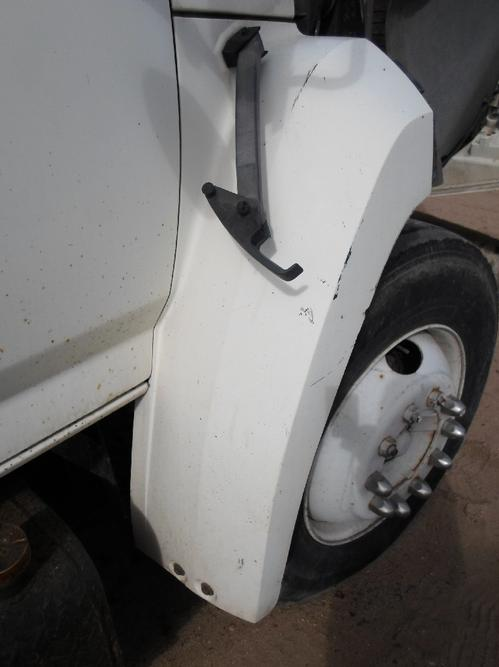 FORD F600 / F700 / F800 TILT Fender Extension