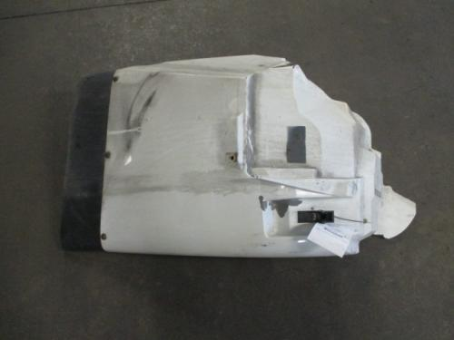 INTERNATIONAL 4400 Fender Extension