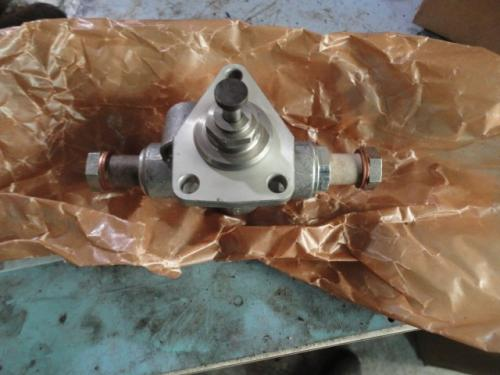 INTERNATIONAL 345 V8 Fuel Injector