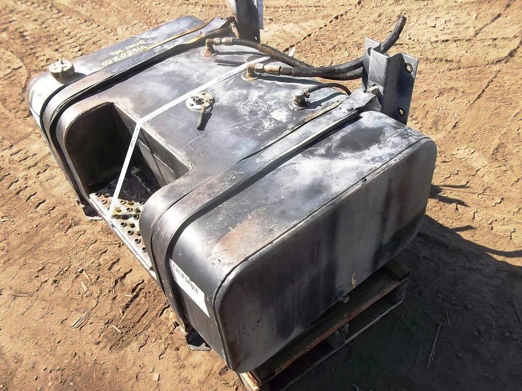 FORD F800 Fuel Tank