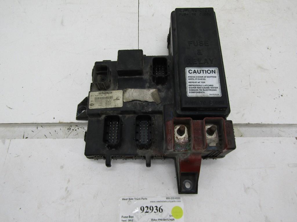 freightliner cascadia fuse box