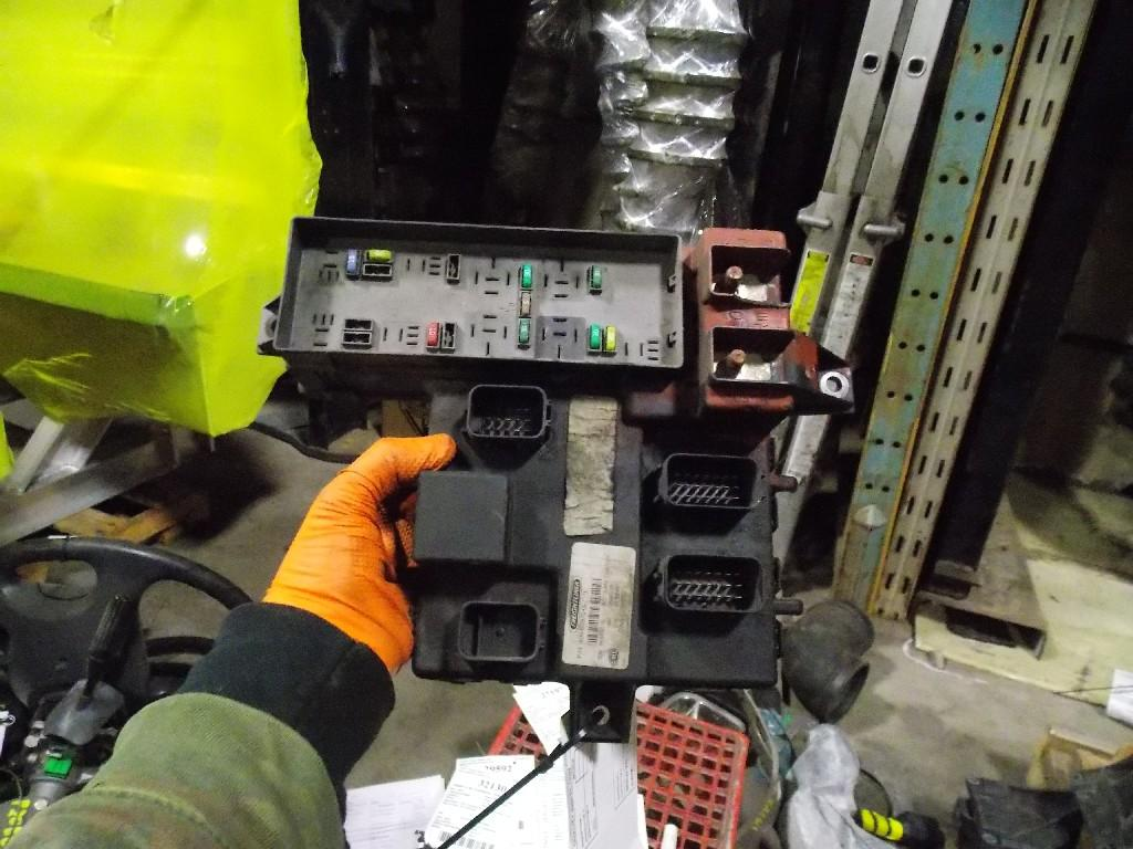 Freightliner Fuse Box On Heavytruckparts Wiring Library Business Class M2 Cascadia