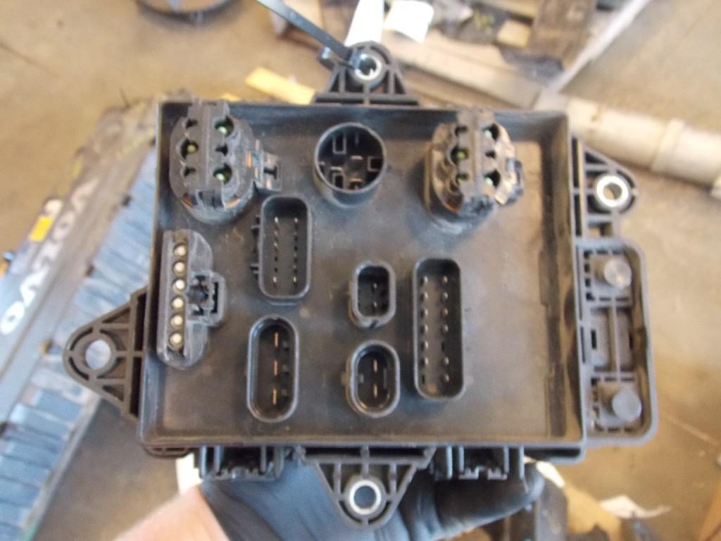 Volvo Vnl670 Fuse Box 29763 For Sale At Holland Mi Part