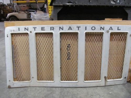 INTERNATIONAL U-IG0260A Grille