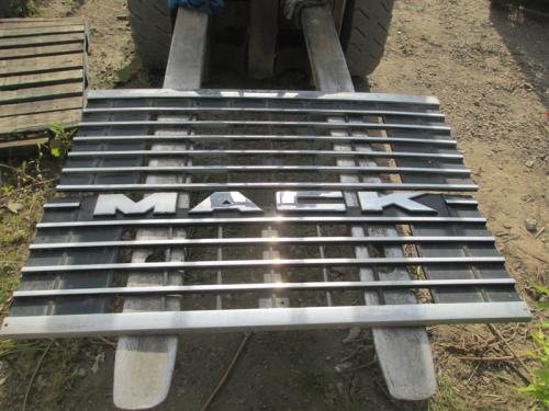 MACK MH612 Grille