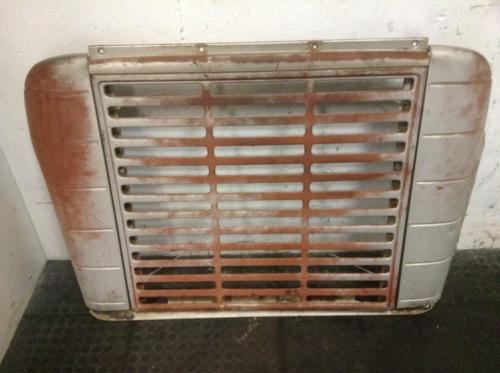 INTERNATIONAL 1600 LOADSTAR Grille