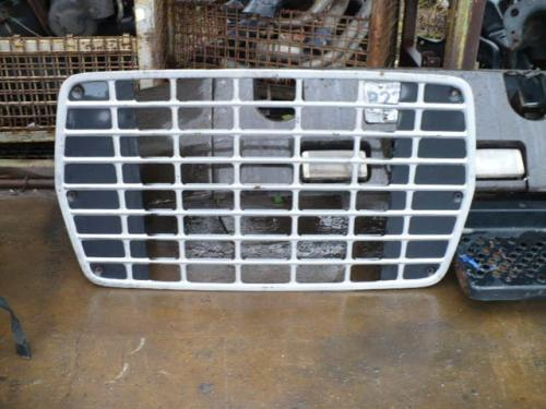 FORD LN800 Grille