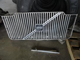 VOLVO WX XPEDITOR Grille