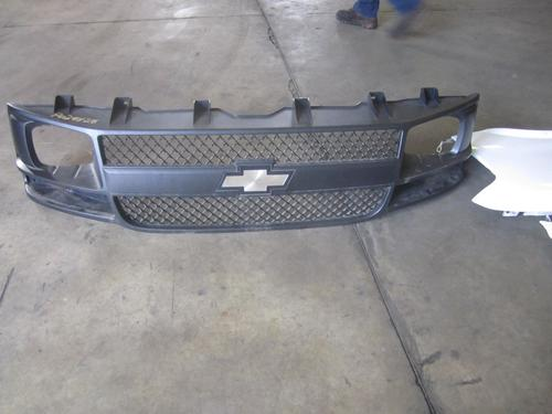 CHEVROLET EXPRESS 3500 Grille