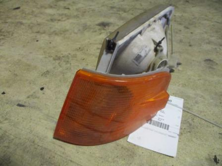 VOLVO VNM Headlamp Assembly