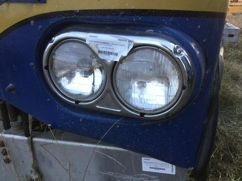FREIGHTLINER FLT Headlamp Assembly