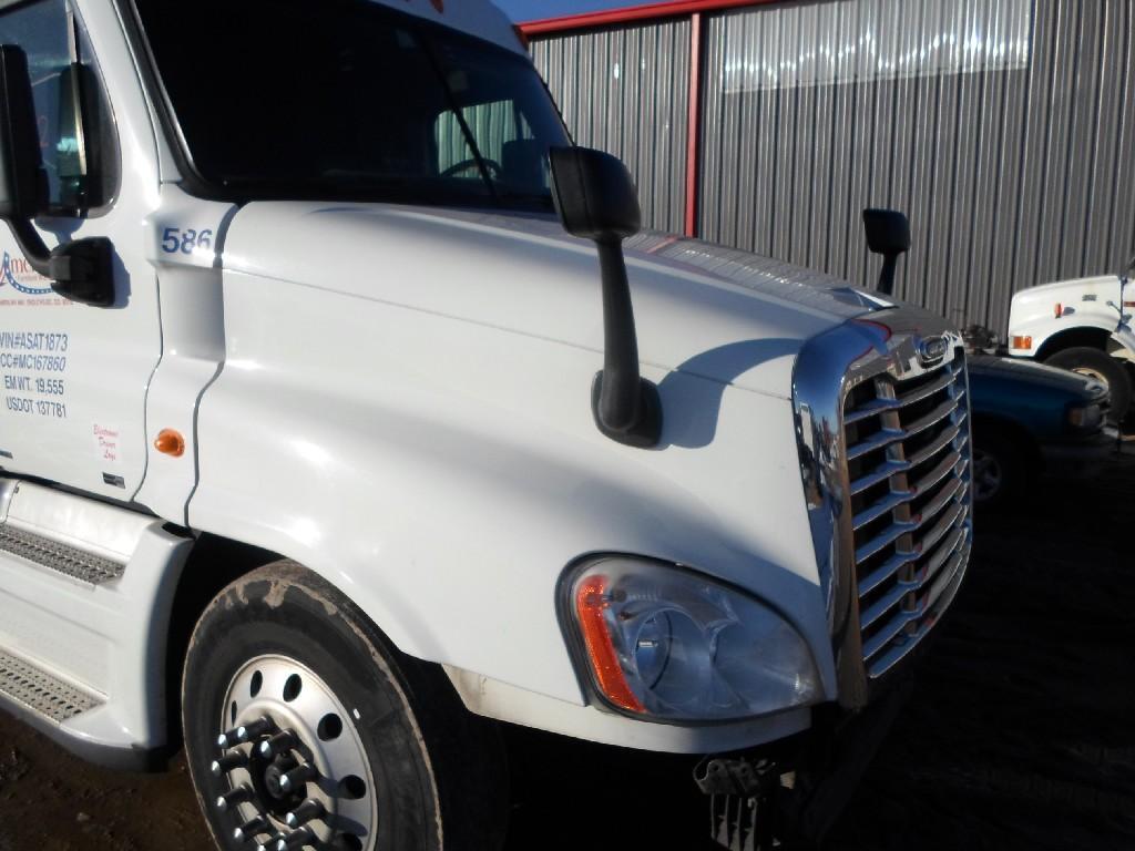 Freightliner Cascadia Hood 137683 For Sale At Hudson Co Fuse Box Under
