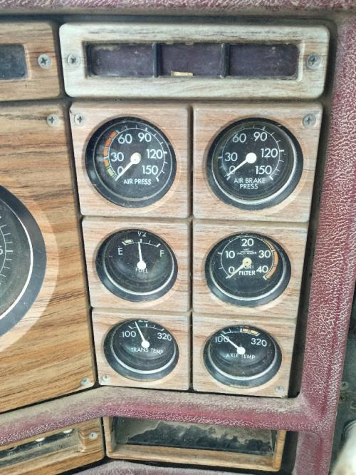 GMC GENERAL Instrument Cluster