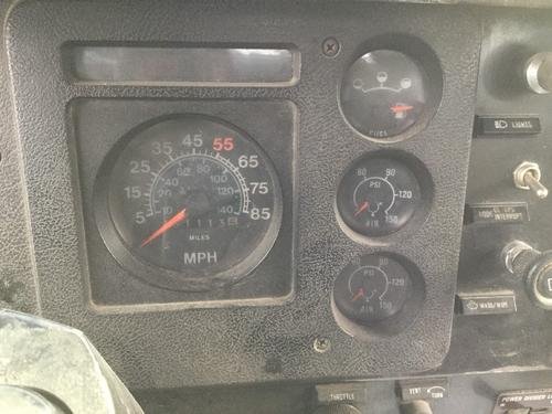 INTERNATIONAL S2300 Instrument Cluster