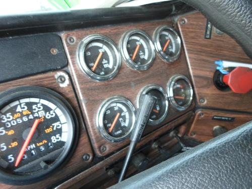 FREIGHTLINER FLD132T CLASSIC XL Instrument Cluster