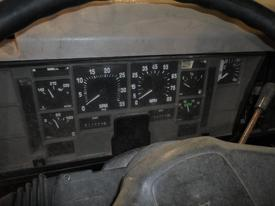 INTERNATIONAL 4700 / 4900 / 8200 Instrument Cluster