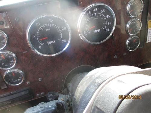 INTERNATIONAL 9200I Instrument Cluster