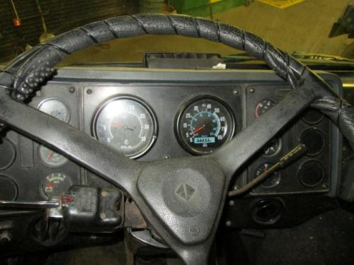 INTERNATIONAL 9670 Instrument Cluster