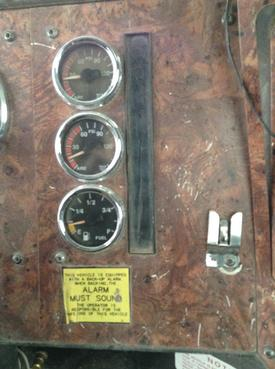 INTERNATIONAL 9300 Instrument Cluster