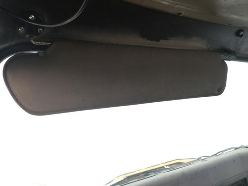 INTERNATIONAL 8300 Interior Sun Visor