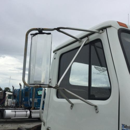INTERNATIONAL 4900 Mirror (Side View)