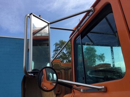 MACK RD600 Mirror (Side View)