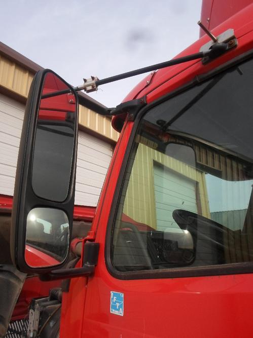 GMC/VOLVO/WHITE VNL660 Mirror (Side View)