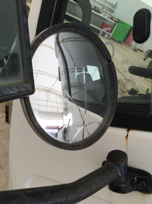 NISSAN UD2300 Mirror (Side View)