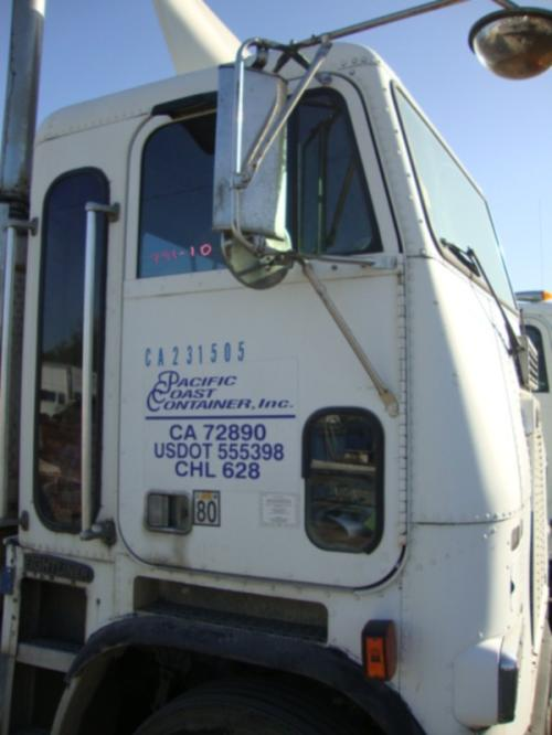 FREIGHTLINER FLA USF-1E HIGH Mirror (Side View)