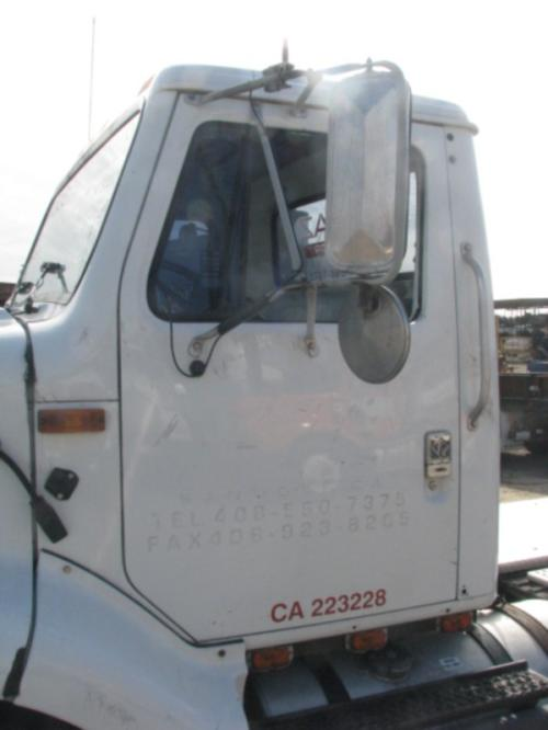 INTERNATIONAL 8200 Mirror (Side View)