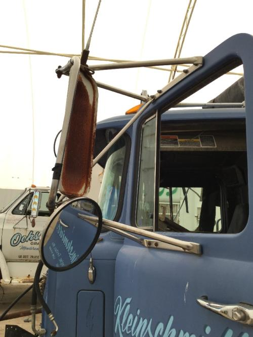 MACK RD688S Mirror (Side View)