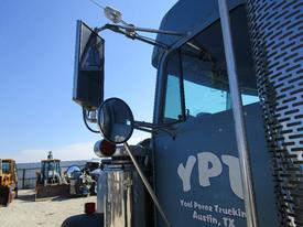 FREIGHTLINER FLD132 Mirror (Side View)