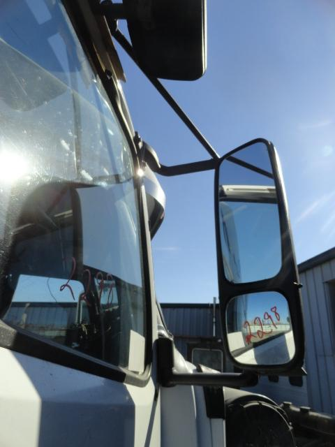 VOLVO VNL 670 Mirror (Side View)