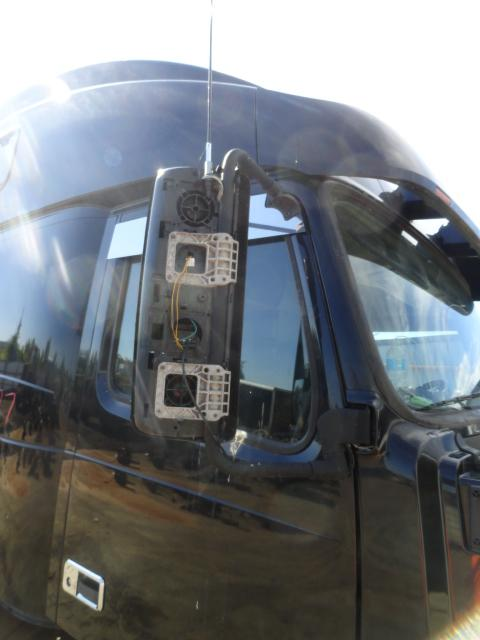 VOLVO VNL 780 Mirror (Side View)