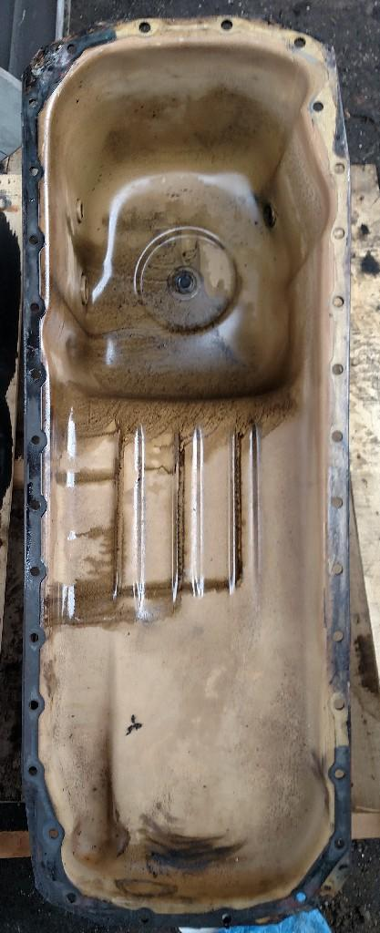 Cummins M11 celect+ Oil Pan
