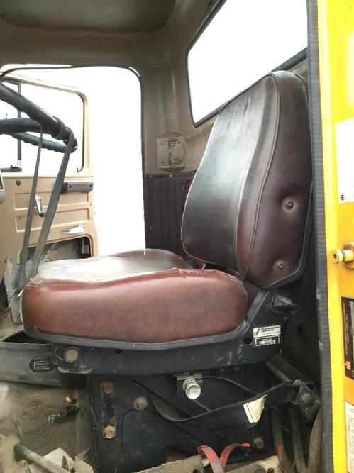 INTERNATIONAL F-2574 Seat, Front