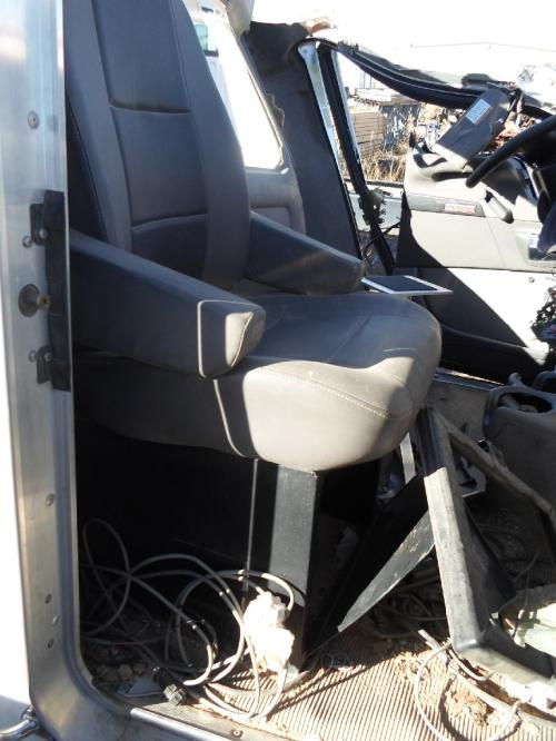 KENWORTH T300 Seat, Front