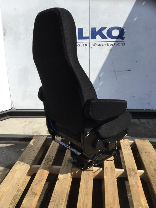 UNIVERSAL  Seat, Front