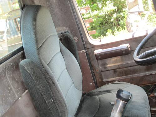 INTERNATIONAL 2275 Seat, Front