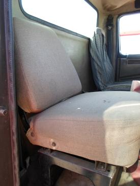 INTERNATIONAL 4700 / 4900 / 8100 / 8200 Seat, Front
