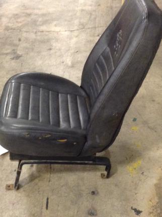 MACK RD688S Seat, Front