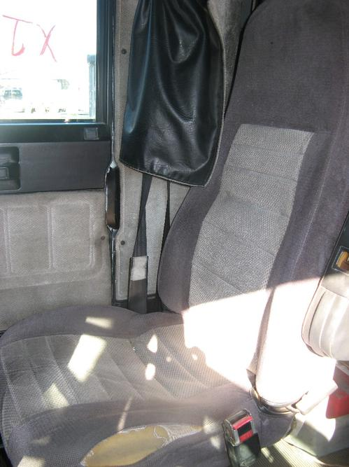FREIGHTLINER CLASSIC Seat, Front