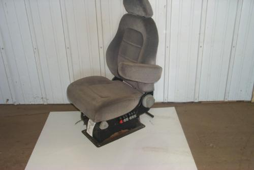 VOLVO VN 610 Seat, Front