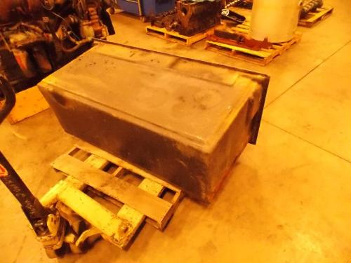 INTERNATIONAL 4400 Tool Box