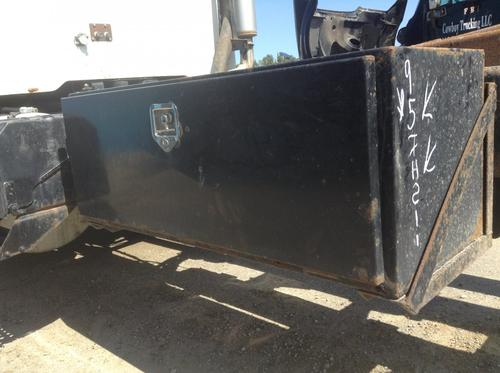 INTERNATIONAL 8100 Tool Box