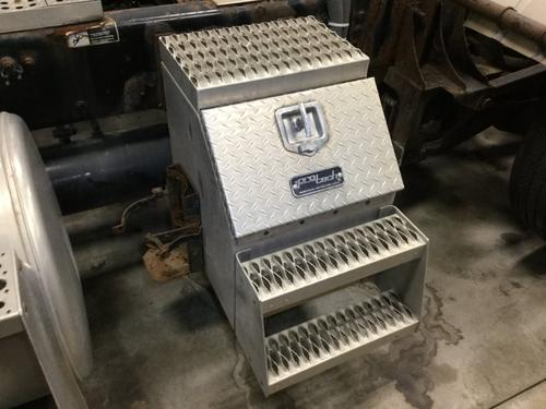 FREIGHTLINER COLUMBIA 120 Tool Box