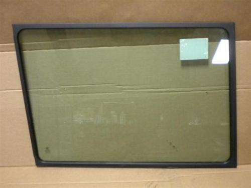 PETERBILT  Windshield Glass
