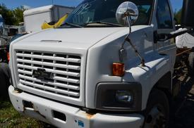 CHEVROLET C6500 Windshield Glass