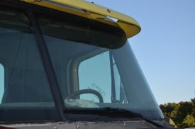 FREIGHTLINER COLUMBIA 120 Windshield Glass
