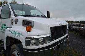 GMC C5500 Windshield Glass